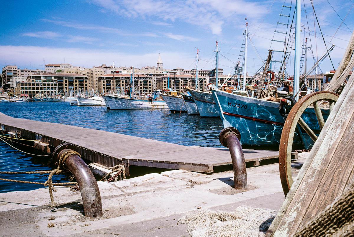 Fischerboot im Hafen von Marseille