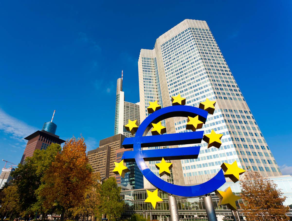 ... Zentralbank in Frankfurt (Foto: eyewave | iStockphoto | Photos.com: www.localpedia.de/frankfurt-am-main-bilder-fotos/ezb-europaeische...