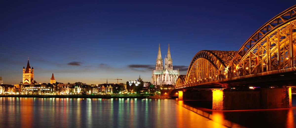 ... Skyline von Köln (Foto: Sebastian Hamm | iStockphoto | Photos.com: www.localpedia.de/koeln-bilder-fotos/naechtlicher-blick-ueber-den...